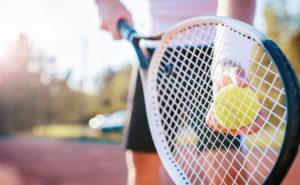 男子テニスプレイヤー